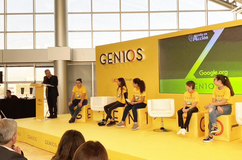 La C. V. líder en el programa GENIOS para acercar la tecnología a los niños y niñas